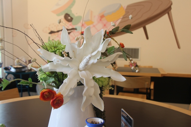 flower bouquet in cafe