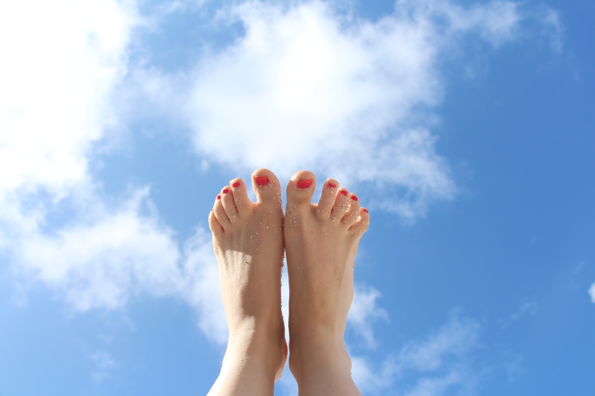 toes in the sun